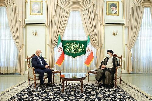 تاکید رئیس مجلس و رئیس جمهور منتخب بر همدلی برای حل مشکلات مردم