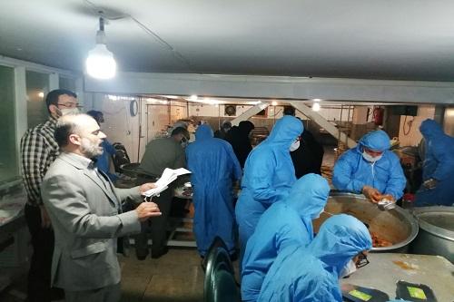 پخت و توزیع ۱۰۰۰ پرس غذای گرم در دانشگاه آزاد اسلامی واحد رشت+تصاویر