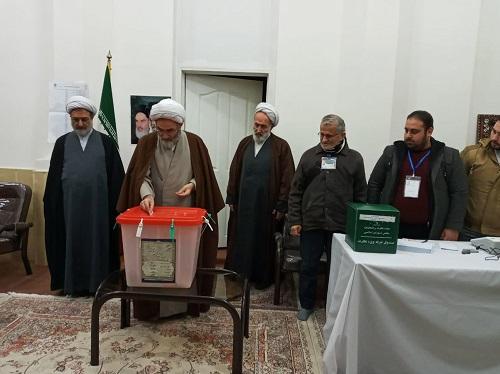 نماینده ولیفقیه در گیلان رأی خود را به صندوق انداخت